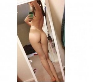 Corentine escort girl in Branson, MO