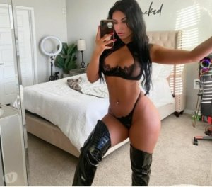 Manoline rimjob escorts personals Galveston TX